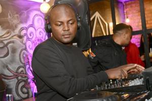 DJ_Euphonik_during_his_set